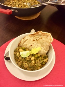 Comfort food at is best. Finger licking smacking good Vegan Lentils, Spinach and Chickpeas stew, perfect for rainy evening.